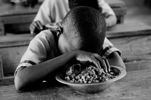 child in ghana praying
